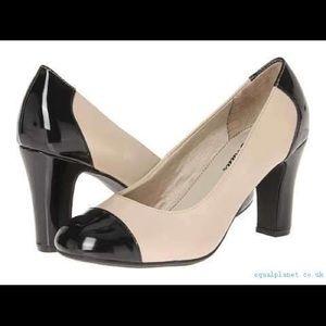 Life Stride Black & Cream Color Block Chunky Heels